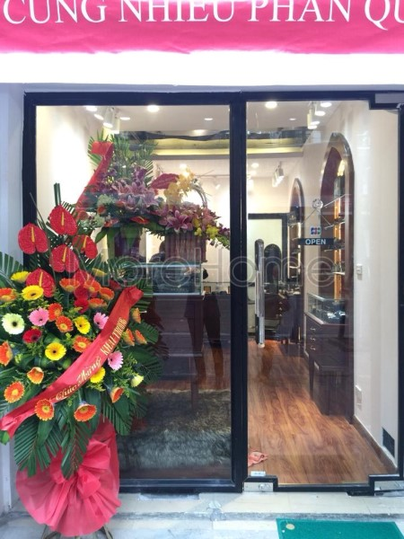 Thi-cong-noi-that-showroom-phong-thuy (10)