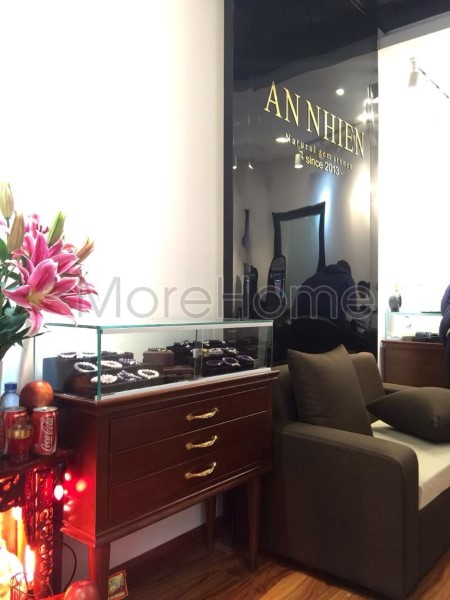 Thi-cong-noi-that-showroom-phong-thuy (15)