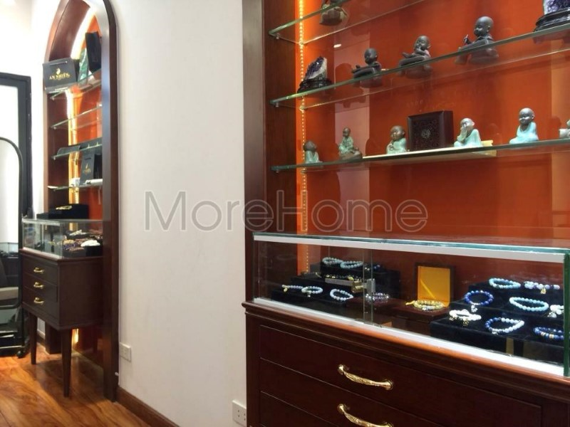 Thi-cong-noi-that-showroom-phong-thuy (4)