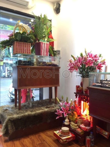 Thi-cong-noi-that-showroom-phong-thuy (6)