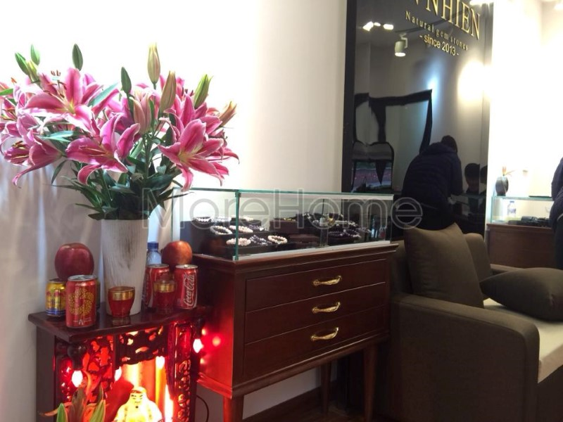 Thi-cong-noi-that-showroom-phong-thuy (7)