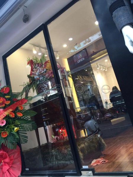 Thi-cong-noi-that-showroom-phong-thuy (9)