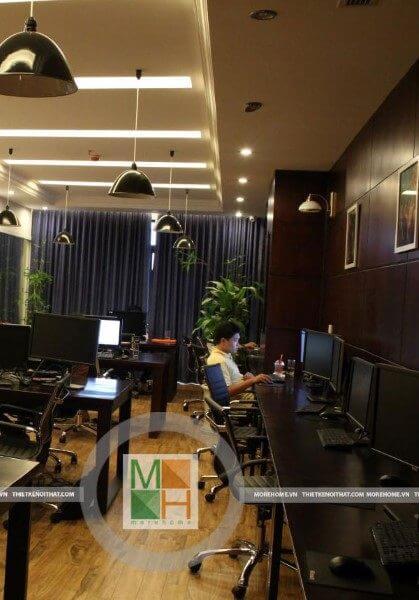 Thi công nội thất đồ gỗ văn phòng hiện đại, tiện nghi tại Royal City